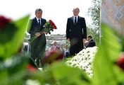 Prime Minister of Uzbekistan Shavkat Mirziyoyev and Russian President Vladimir Putin