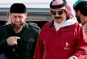 The head of the Chechen Republic Ramzan Kadyrov and the king of Bahrain Hamad bin Isa Al Khalifa view a Sukhoi Superjet 100 aircraft at the 2018 Bahrain International Air Show