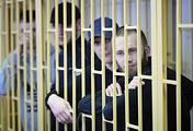 Обвиняемый Александр Ковтун (справа)