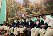 Спортсмены олимпийской сборной России перед началом встречи с президентом РФ Владимиром Путиным в Кремле