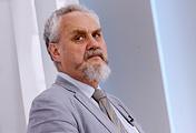 Член партии ПАРНАС Андрей Зубов во время теледебатов
