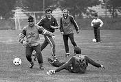 Футболисты сборной СССР во время тренировки на базе в Новогорске