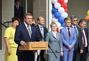 Врио губернатора Рязанской области Николай Любимов на торжественной линейке, посвященной Дню знаний, в школе №75