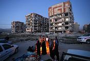 Последствия землетрясения в городе Сере-Поле-Зохаб, Иран