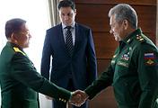 Главнокомандующий Вооруженными силами Мьянмы старший генерал Мин Аунг Хлайн и Министр обороны России Сергей Шойгу