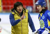 Главный тренер сборной Казахстана по хоккею с мячом Ильяс Хандаев