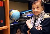 Экскурсовод Лидия Мошкова в своем кабинете