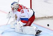 Вратарь сборной России по хоккею Игорь Шестеркин
