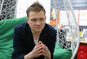 Основатель интернет-магазина персональных подарков Artskills Денис Добряков