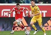 Футболисты сборной России Алексей Ионов и команды Бельгии Томас Вермален