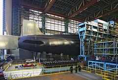 """Церемония спуска на воду атомной подводной лодки четвертого поколения """"Юрий Долгорукий"""" на оборонной верфи """"Севмаш"""", 2007 год"""
