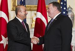 Министр иностранных дел Турции Мевлют Чавушоглу и госсекретарь США Майкл Помпео