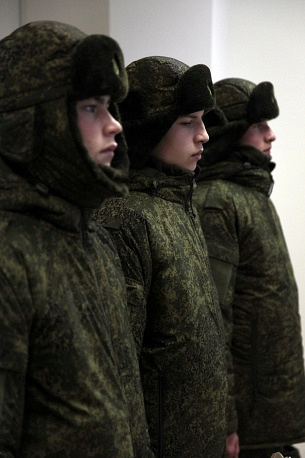 New all-season military field uniform