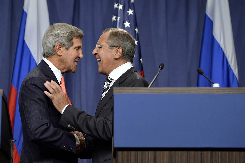 US Secretary of State John Kerry shakes hands with Russian Foreign Minister Sergei Lavrov after making statements following meetings regarding Syria, at a news conference at the Geneva, Switzerland, 14 September 2013.
