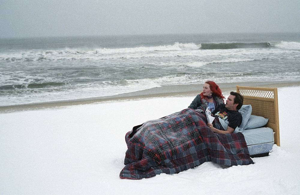 Among other films, she received positive comments from critics for 'Eternal Sunshine of the Spotless Mind'