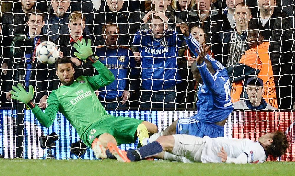 Demba Ba scores Chelsea's second goal