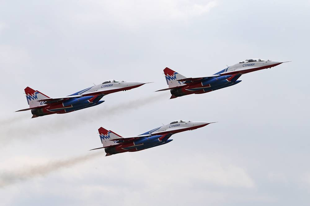 Aerobatic team Russkiye Strizhi (Swifts) at the Alabino testing range