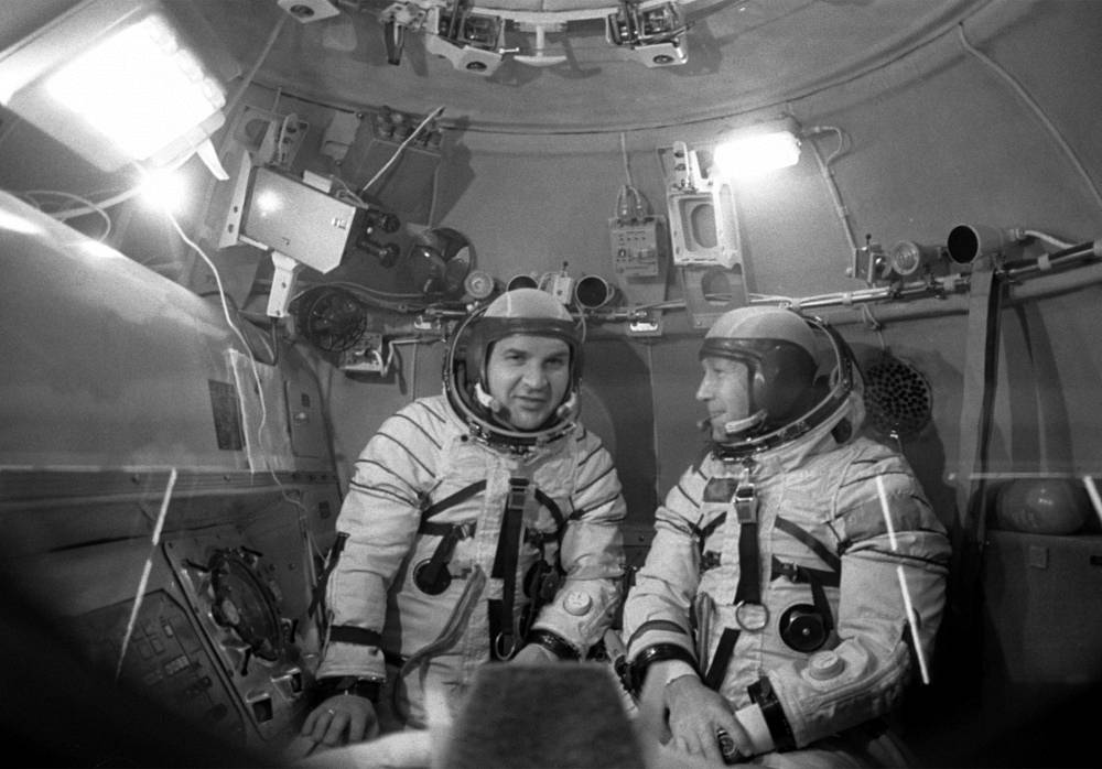 Members of the first crew of the Soyuz spaceship Valery Kubasov and Alexei Leonov at a training center in 1975