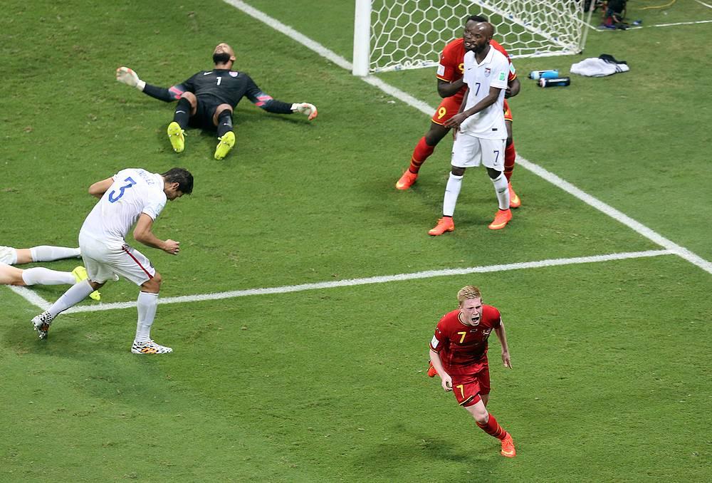 Kevin De Bruyne of Belgium celebrates after scoring the 1-0
