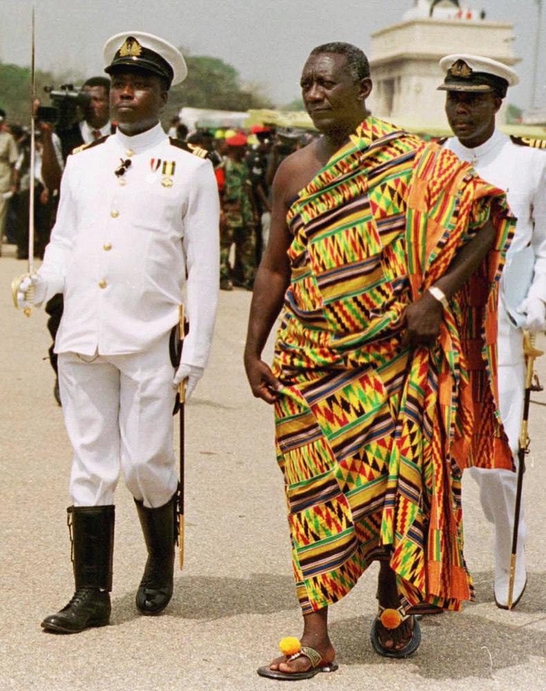 Ghana's former president John Agyekum Kuffuor wears traditional closhes at his inauguration