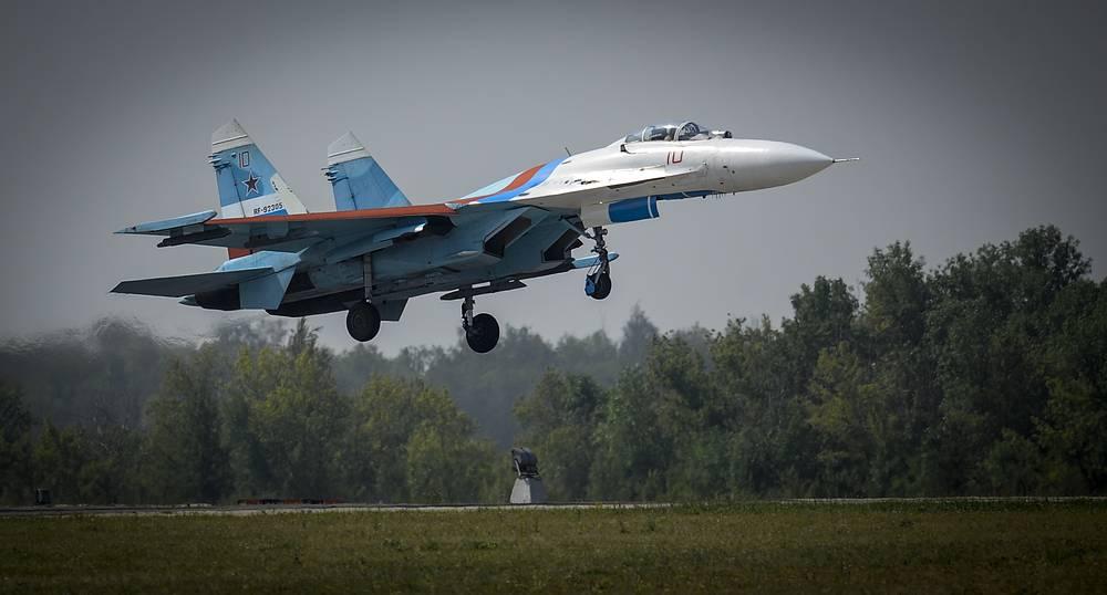 A Su-27 fighter jet