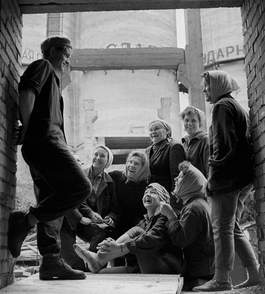 Krasnoyarsk Krai. Young constructors at work, 1964