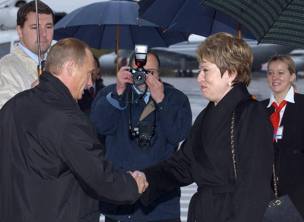 In 2003 Vladimir Putin celebrated his birthday in Saint Petersburg. Photo: Saint Petersburg governor Valentina Matvienko greets Vladimir Putin in the airport