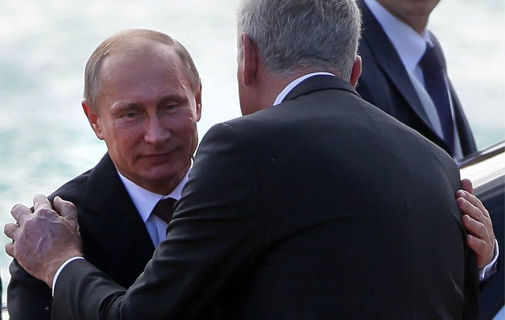 Vladimir Putin and Tomislav Nikolic at a welcoming ceremony,  Belgrade, Serbia, 16 October 2014