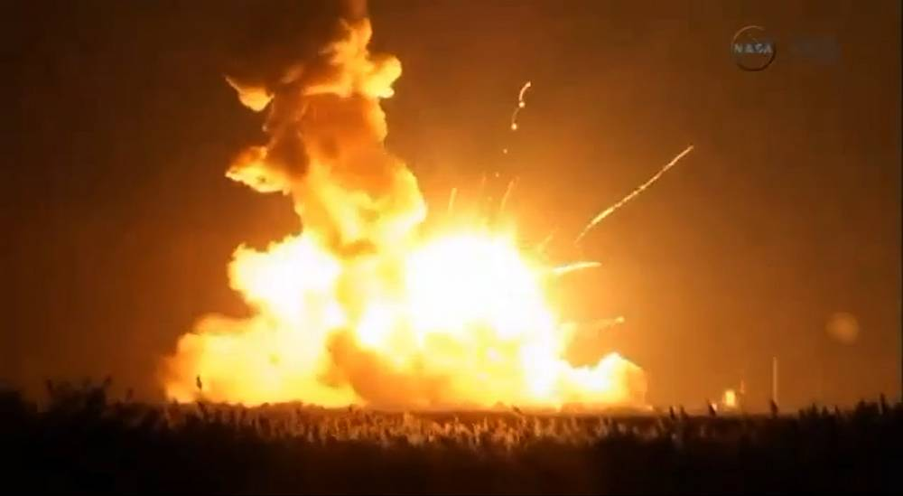The explosion occurred immediately after the liftoff at 18:23 pm, local time