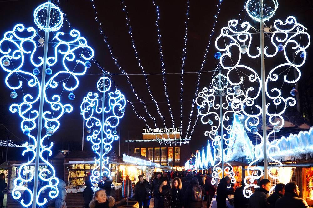 Christmas market at Pionerskaya Square, St Petersburg