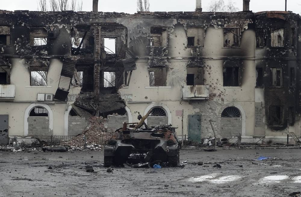 Photo: An armored personal carrier damaged after heavy fighting in the Eastern Ukrainian city of Uglegorsk, Donetsk region, Ukraine