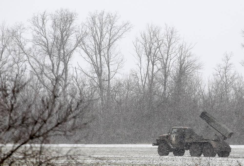 Ukrainian military hardware seen near Debaltseve