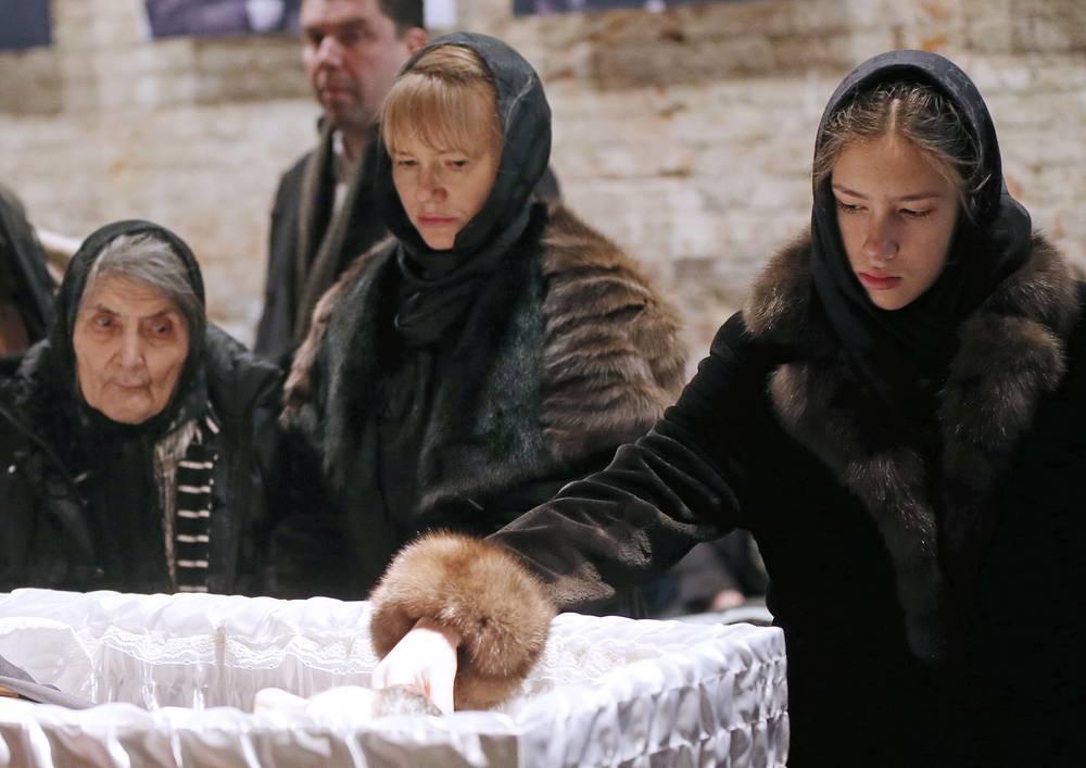 Boris Nemtsov's mother Dina Eidman, his secretary Irina Korolyova and Nemtsov's daughter Dina