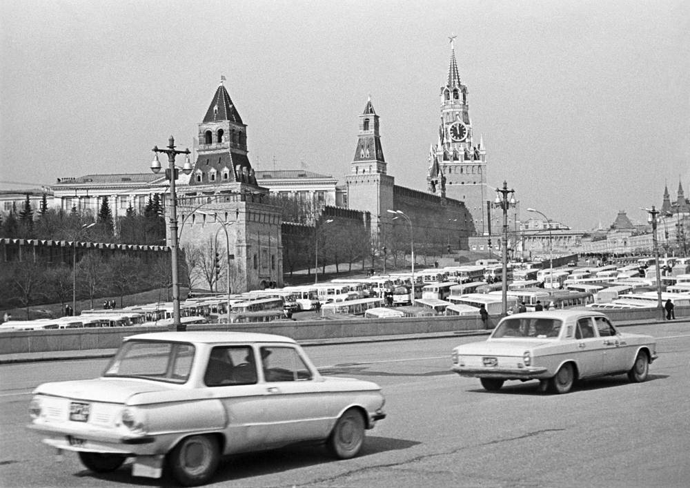 View of the Kremlin from Bolshoi Moskvoretsky Bridge, 1975