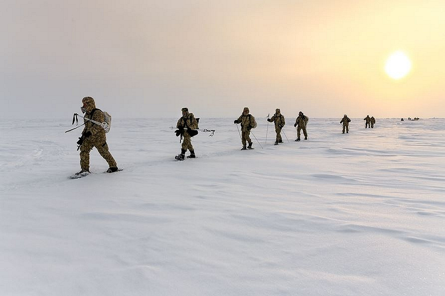 Russian paratroopers have extensive experience of training in the Arctic