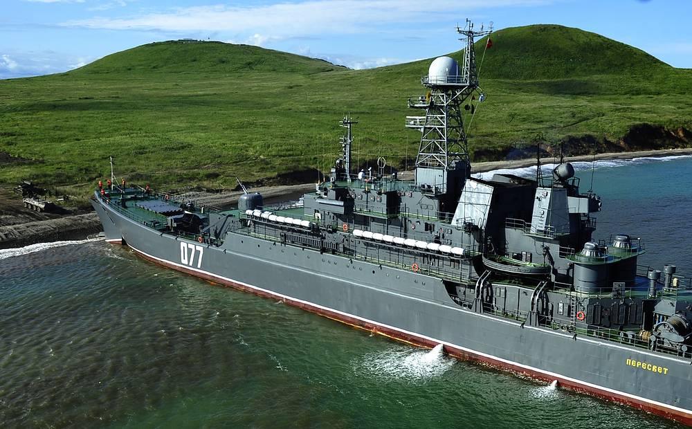 Seaborne troops landing from the Russian battleship Peresvet at Klerk training range