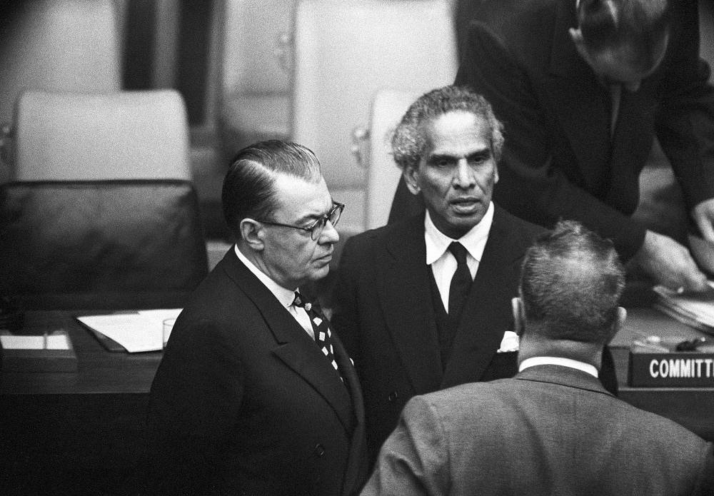 Former defense minister of India Krishna Menon holds an absolute record for the duration of speeches ever delivered at the UN. In 1957 he spoke for more than 8 hours in total defending India's stand on Kashmir in the UN Security Council. Photo: Krishna Menon of India (center) talking to the representatives from Canada and New Zealand