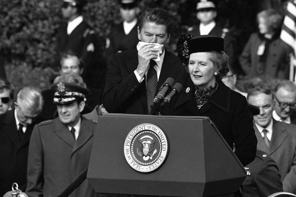Thatcher supported US foreign policy, including the deployment of US medium-range missiles in Western Europe. Photo: British Prime Minister Margaret Thatcher and US President Ronald Reagan at the White House in Washington, 1981