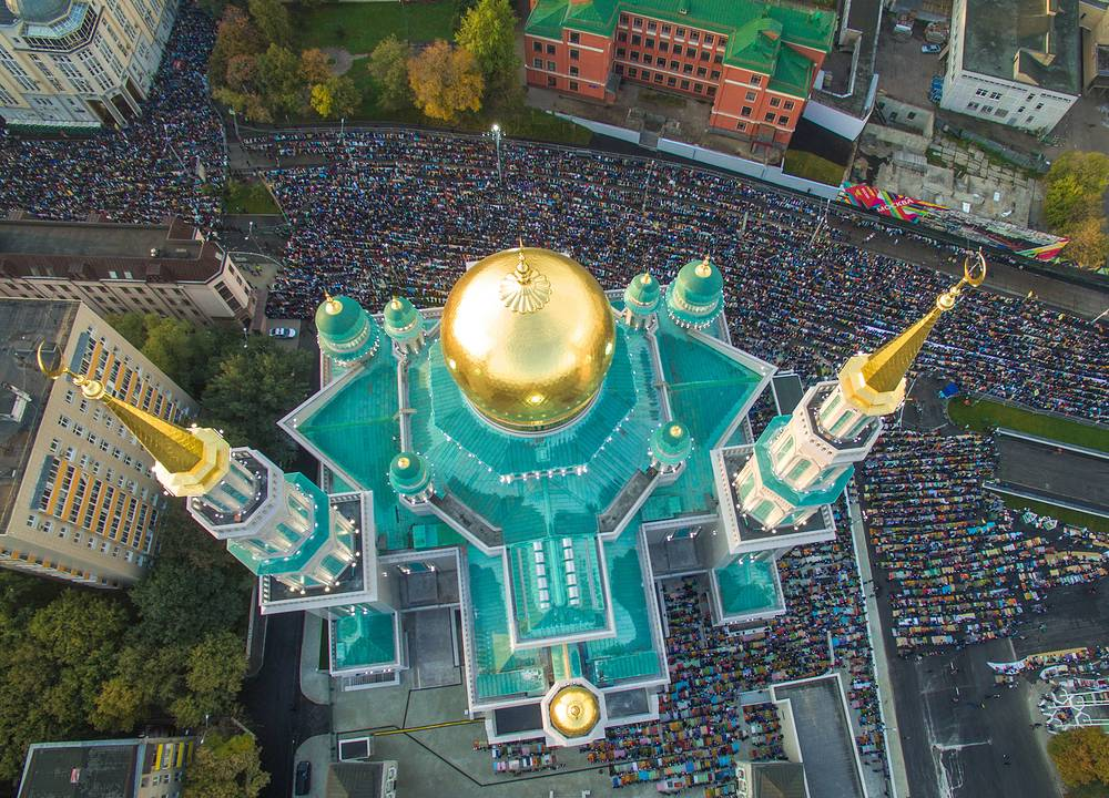 An aerial view of Muslims praying outside the Moscow Cathedral Mosque during Eid al-Adha, also known as the Feast of the Sacrifice, September 24, 2015