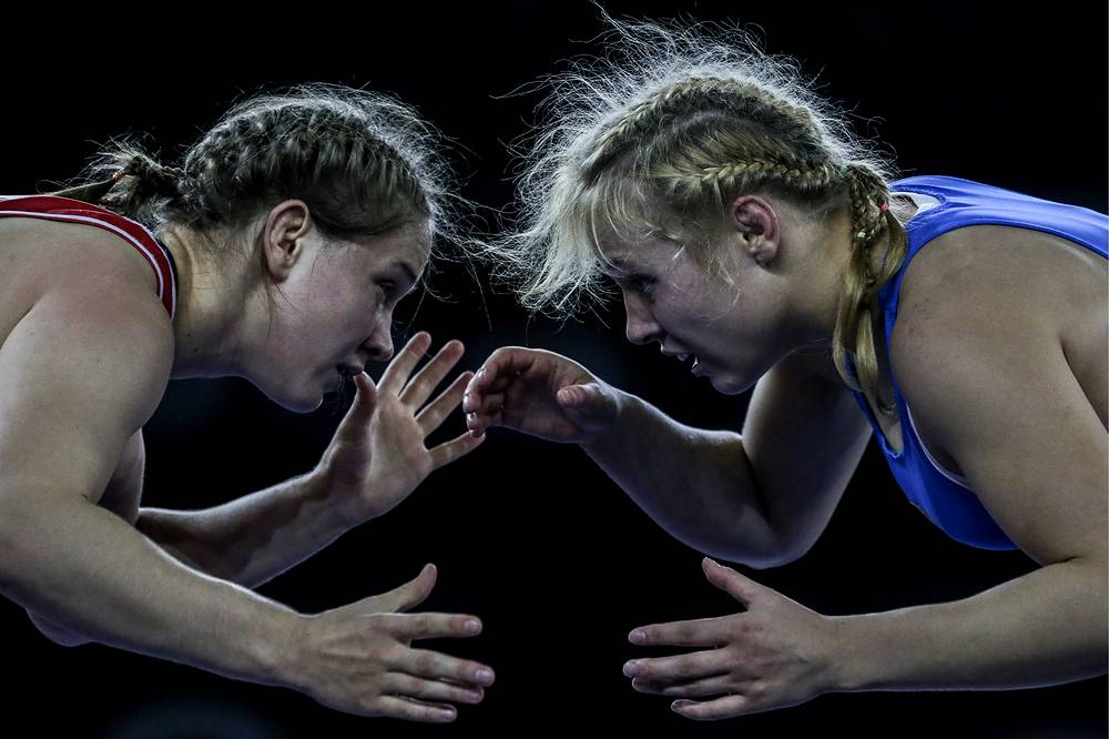 Russia's Anastasia Shchavlinskaya competing against Ukraine's Alla Belinska during a 69kg event at the Open Cup of European Nations, Alrosa Cup 2015, Freestyle, Greco-Roman and Women's Wrestling tournament in Moscow, November 7, 2015