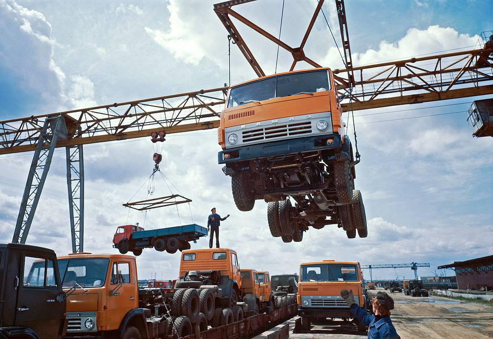 Kamaz trucks' load platform, 1982