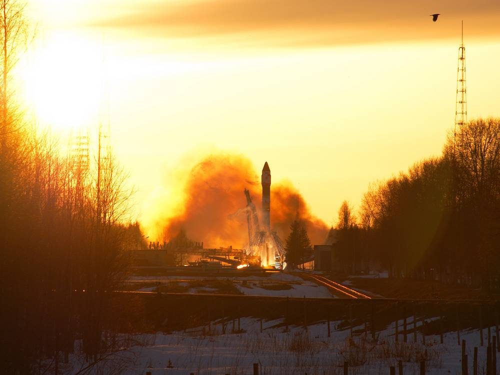 Soyuz U rocket carrying the military satellite Kosmos-2450 blasts off from the launch pad at Plesetsk cosmodrome, 2009