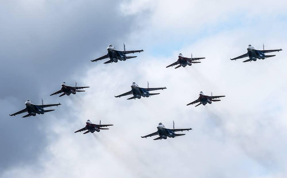 Russian aerobatic teams, Russkiye Vityazi (Russian Knights) and Strizhi (Swifts)