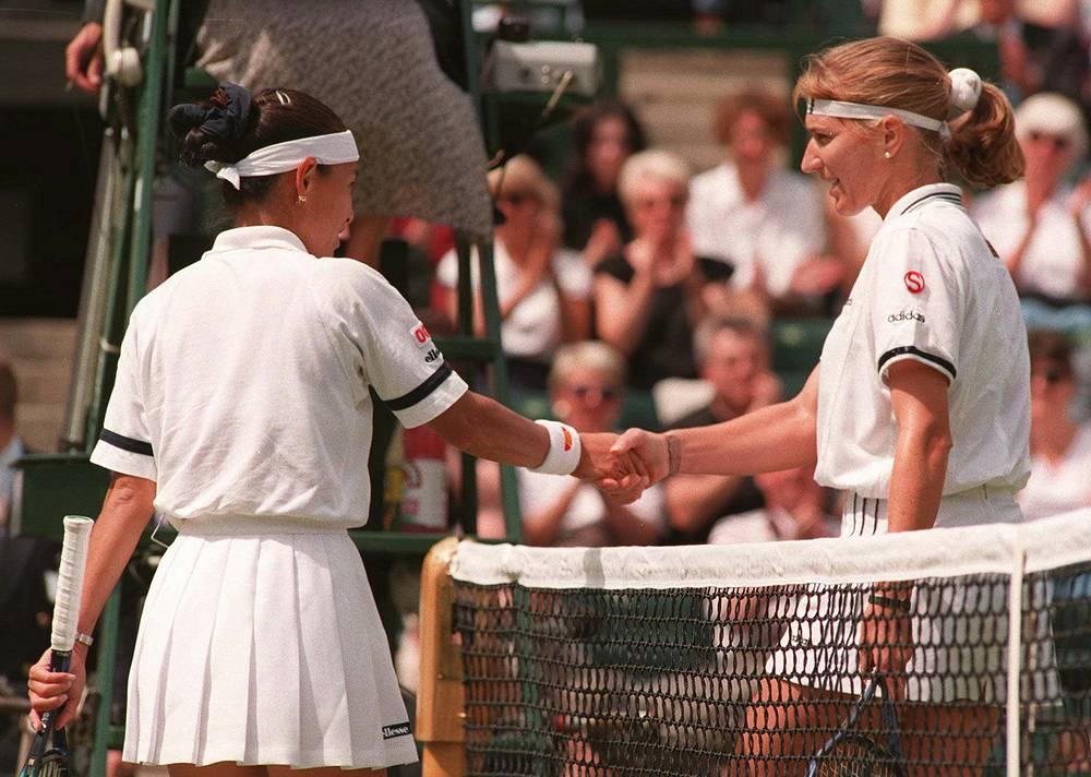 Germany's Steffi Graf won seven Wimbledon titles. Photo: Japan's Kimiko Date and Steffi Graf at Wimbledon, 1996