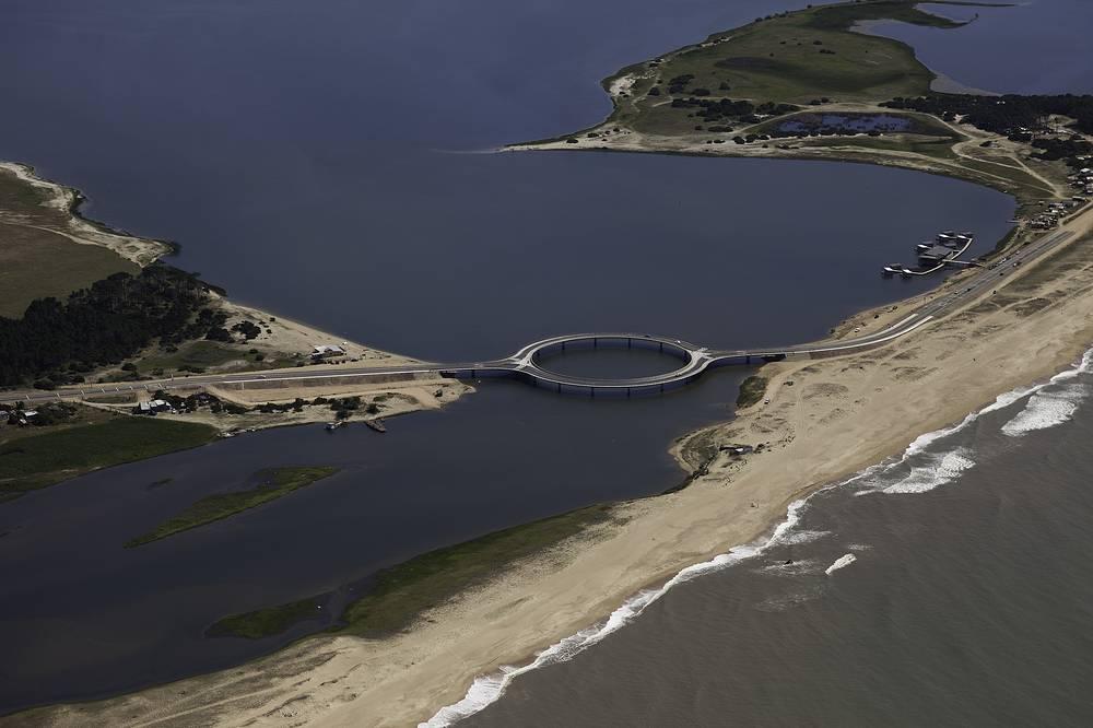 Laguna Garzón Bridge is a bridge famous for its unusual circular shape. It is located in Garzón, Uruguay