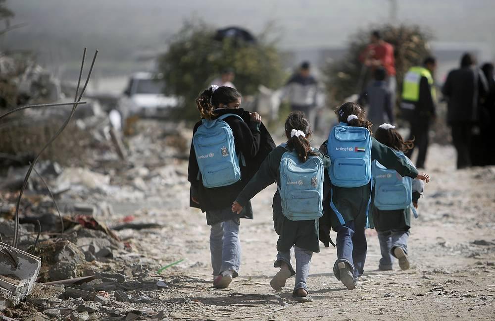 Palestinian school children in east Jebaliya, northern Gaza strip