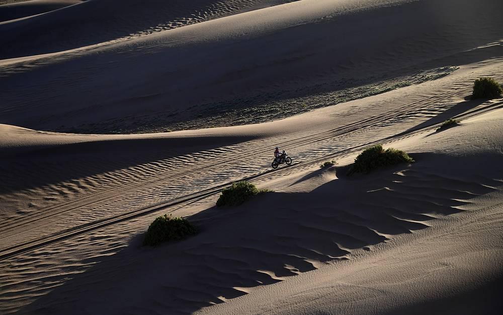 US Honda biker Ricky Brabec races during stage 8 of the Dakar Rally between Uyuni, Bolivia and Salta, Argentina, January 10