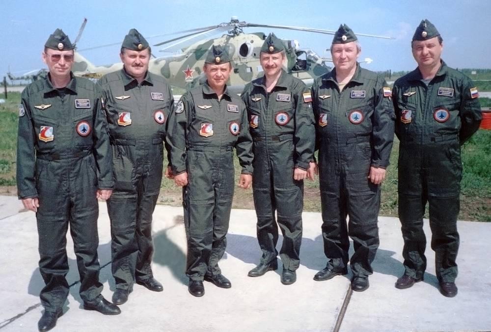 Berkuts' pilots Alexander Chichkin, Alexander Novochenko, Evgeny Ignatov, Anatoly Egorov, Alexander Rudykh and Alexander Anikin, 1992