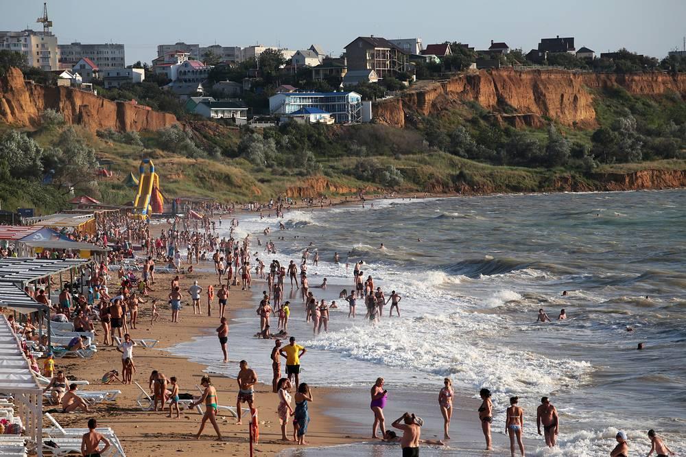 Vacationers on the beach near Sevastopol