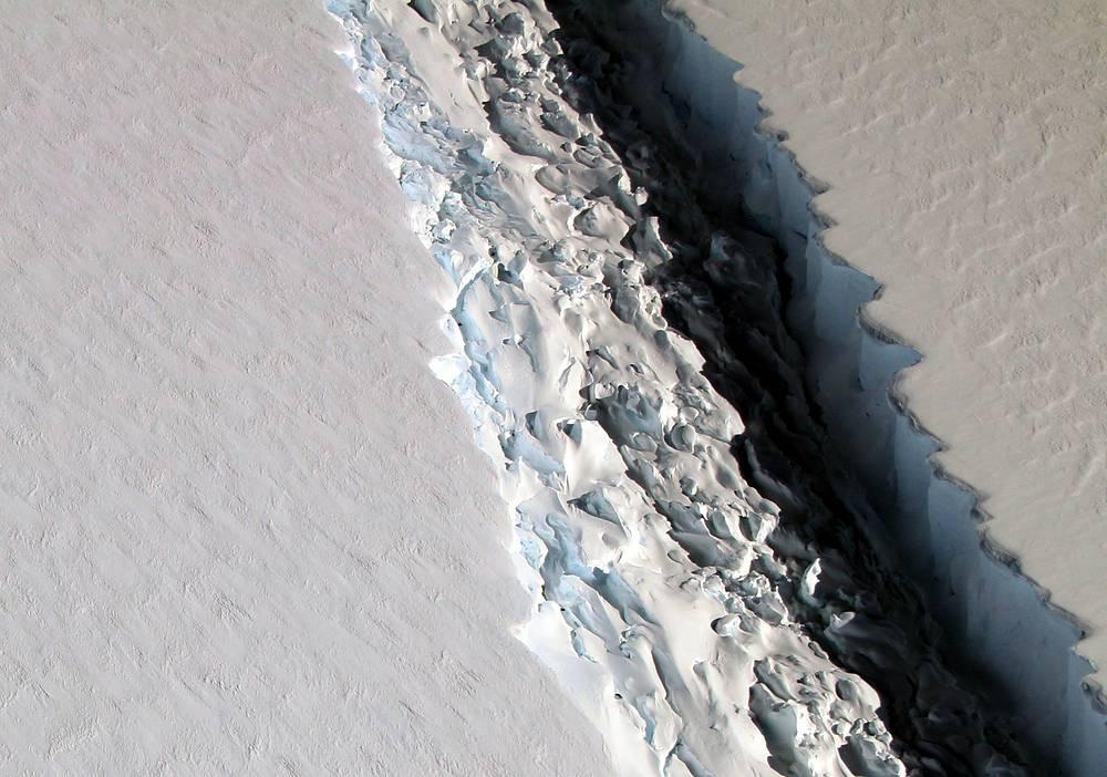 A view of a massive rift in the Antarctic Peninsula's Larsen C ice shelf, Antarctica, November 10, 2016